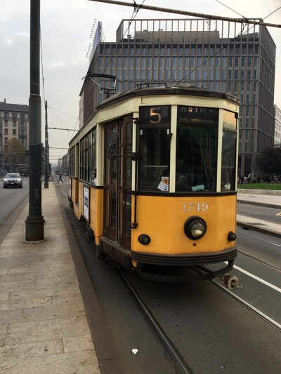 [Milan]A traditional Milan tram built c1930